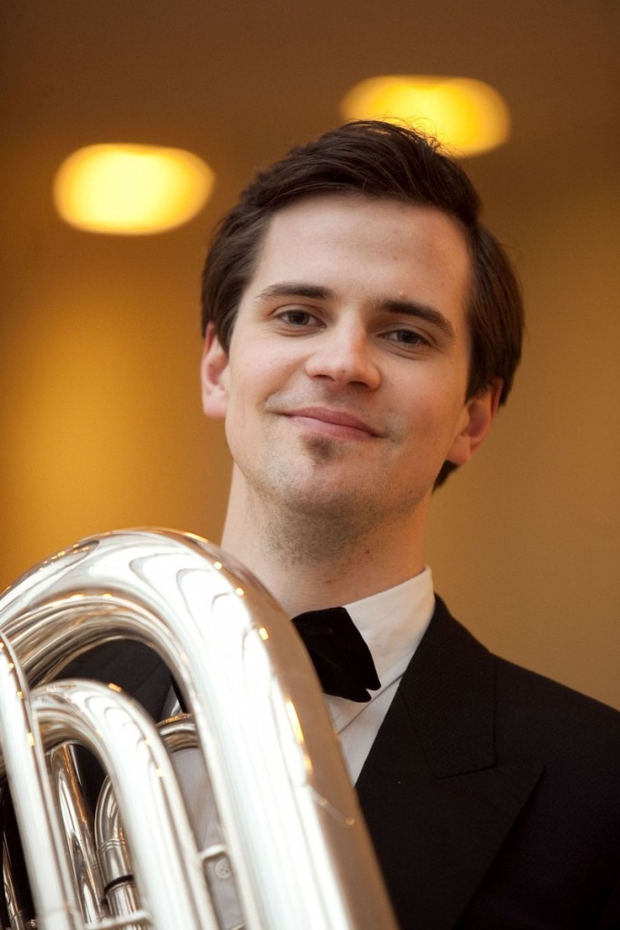 Alexander Tischendorf unterstützt Brass Band BlechKLANG bei KLANGspuren