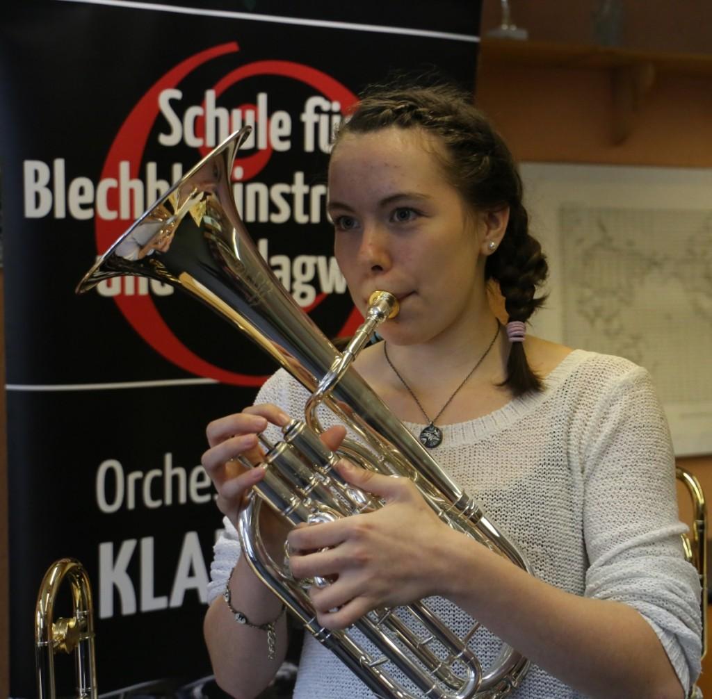 Anabel Voigt unterstützt Brass Band BlechKLANG bei KLANGspuren