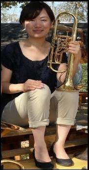 Misaki Fukushima unterstützt die Brass Band BlechKLANG bei KLANGspuren